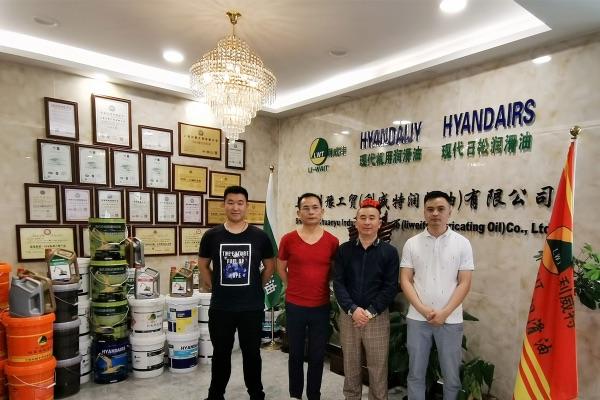 川致代表团赴上海川豫学习交流润滑油销售和服务经验